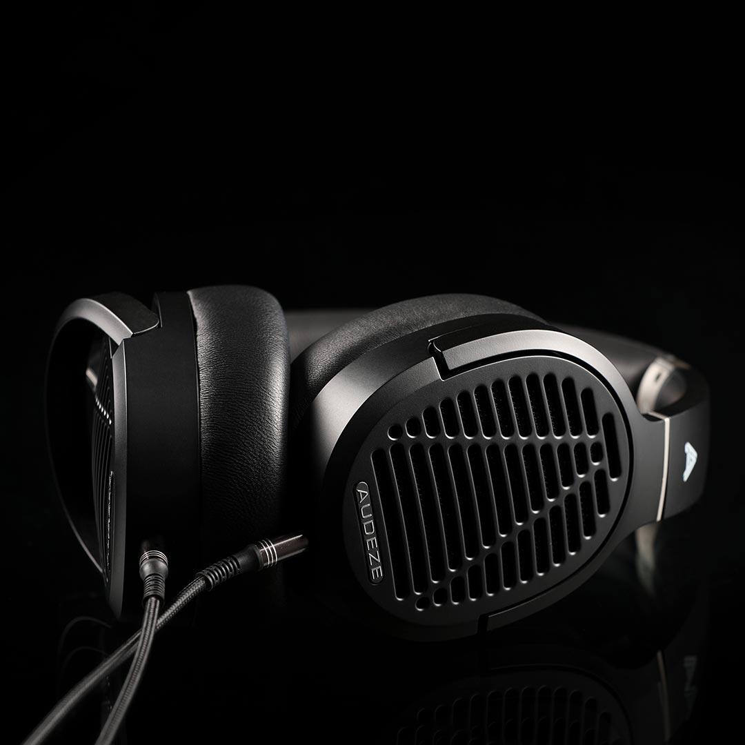 seattle headphones audeze LCD-1