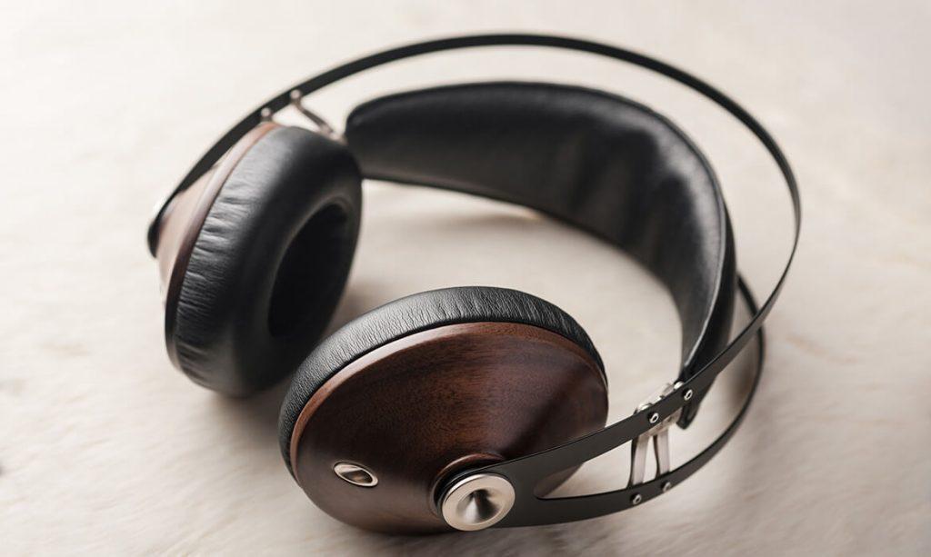 Meze 99 Classics Silver Headphones Liestyle
