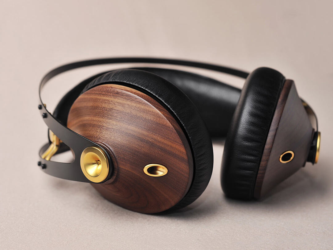 Meza 99 Classics headphones