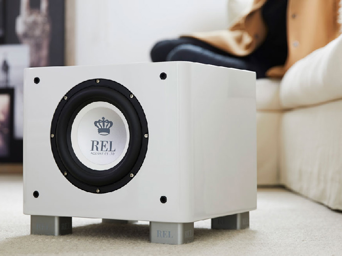 Seattle REL T7x subwoofer white in situ